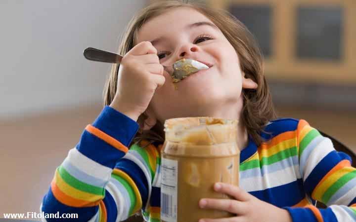حساسیت به بادام زمینی در کودکان و نوزادان