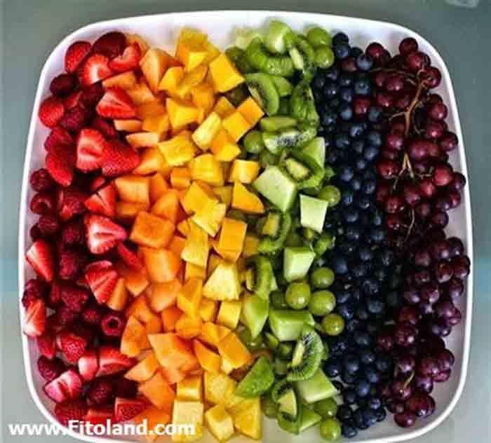 میوه یک میان وعده سالم و کم کالری