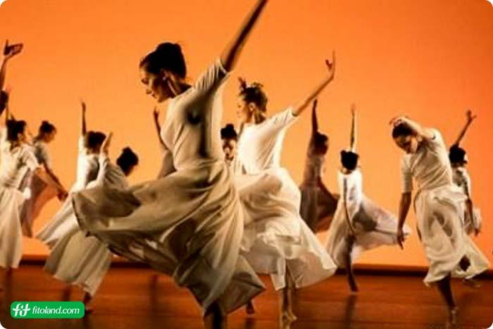 رقصیدن یکی از تمرینهای هوازی مفید و انواع حرکات هوازی